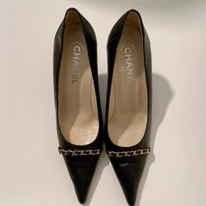CHANEL Genuine  Lizard Pumps with Gold Chain